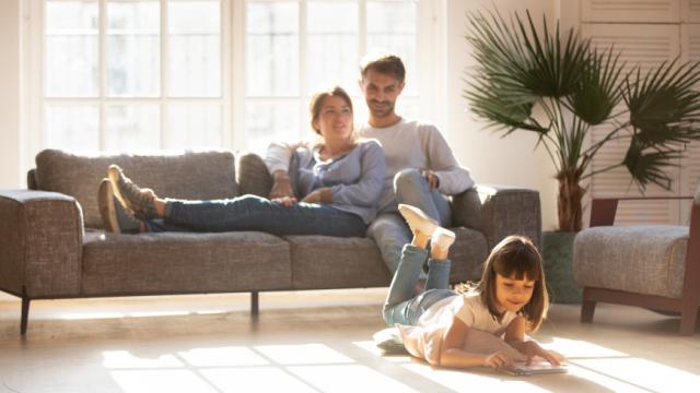«Куплю квартиру с ребенком»: можно ли продавать недвижимость, доля в которой принадлежит несовершеннолетнему?