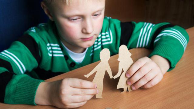 За что в России лишают родительских прав: 6 основных причин