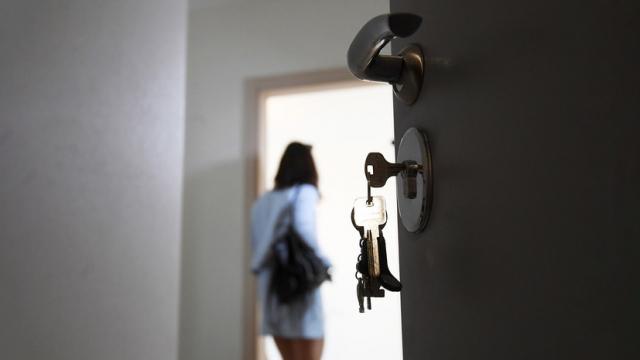 В поиске выгоды: за год россияне стали почти в два раза чаще интересоваться вторичным жильём