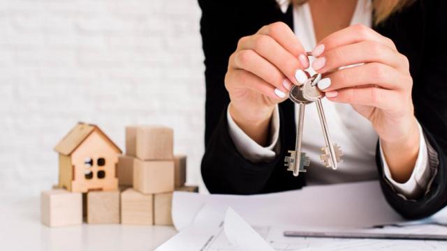 Как продать квартиру, если она оформлена на ребенка