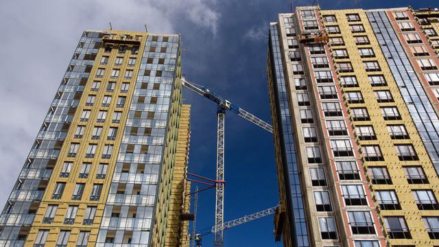 Риелторы готовятся к новым ценам: Сколько в сентябре будут стоить новостройки и квартиры на вторичном рынке