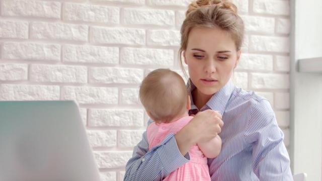 На какую помощь от государства может рассчитывать мать-одиночка в России