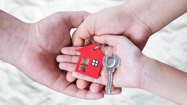 ћожно ли продать жилье, если в нем прописан ребенок (а покупать не опасно?)