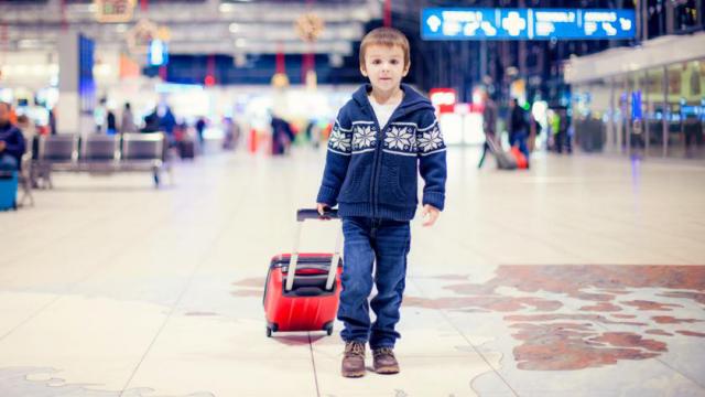 Что грозит родителям, которые оставили ребенка без присмотра: 5 типичных ситуаций